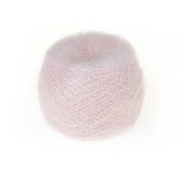 Superkid mohair garn lyserød er en kvalitets mohair i en sart lys rød farve.